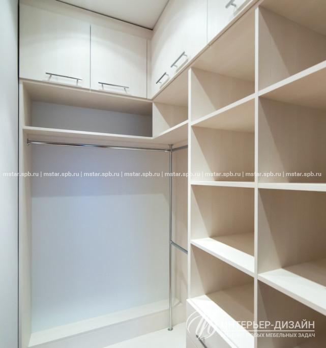 гардеробные узкие комнаты фото